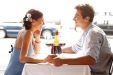 4 Pertanyaan wajib saat kencan pertama biar nggak kecewa di belakang