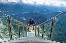 10 Wisata buat kamu yang nggak takut ketinggian, berani coba?