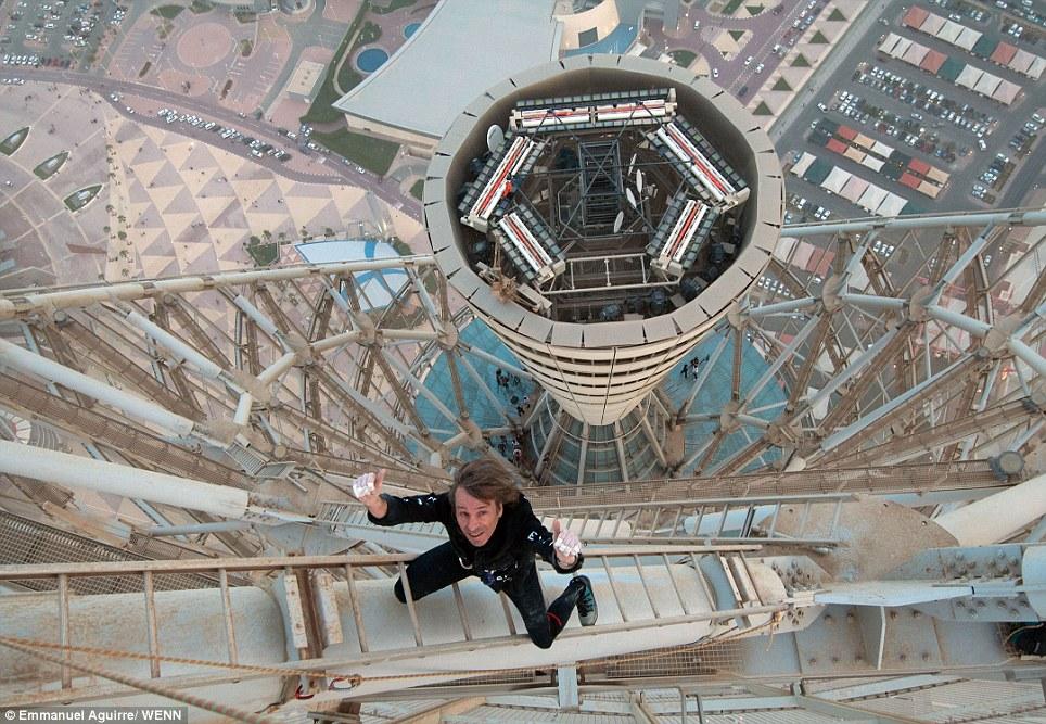 Heboh, 'Spiderman' ini sudah panjat ratusan gedung dunia tanpa alat