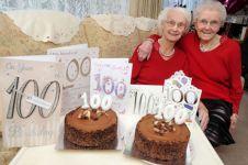 Wow, selama 100 tahun saudara kembar ini rayakan ulang tahun bersama