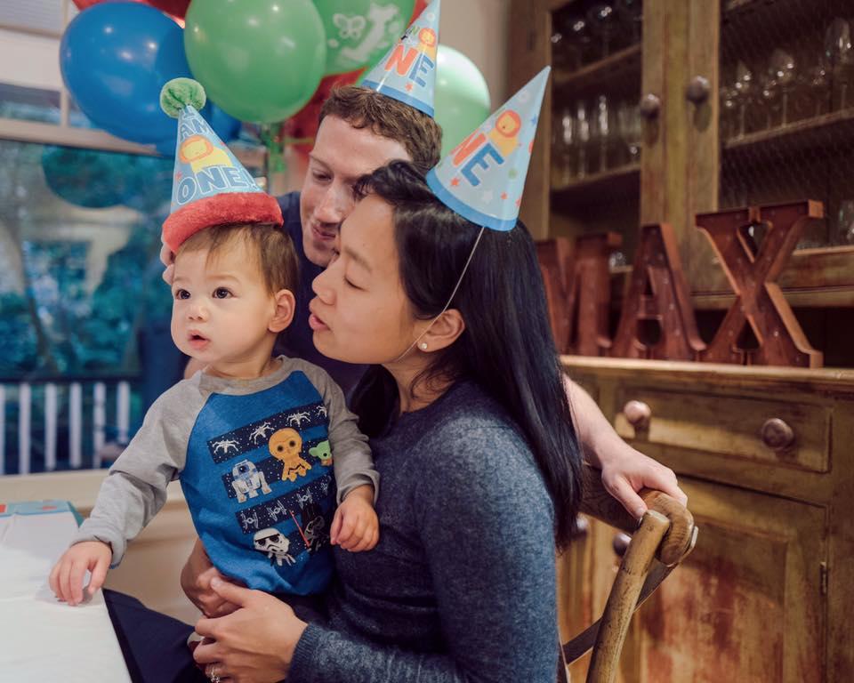 10 Potret Maxima Zuckerberg bersama ayah ibunya, gemesin banget deh