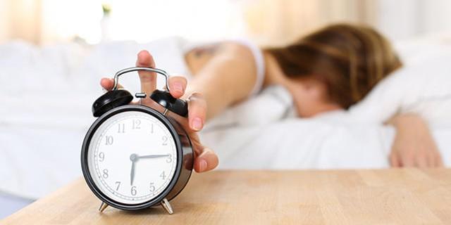 4 Posisi tidur ini bisa bantu sembuhkan sakit punggungmu, buktikan ya
