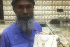 Pasca dihina karena lihat emas dari luar toko, pria ini ketiban rezeki