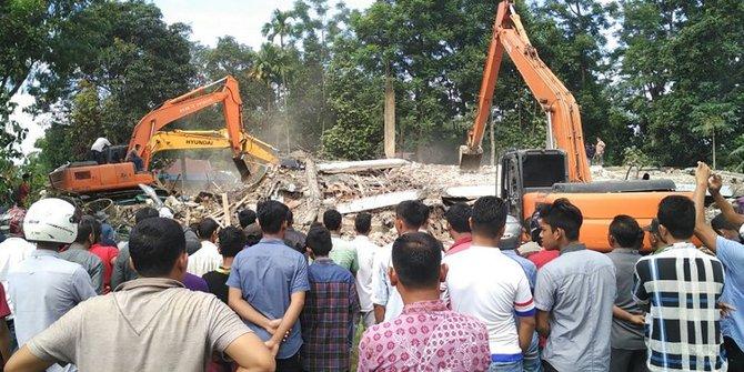 Korban tewas capai 102 orang, tim SAR gencar lakukan evakuasi di Aceh