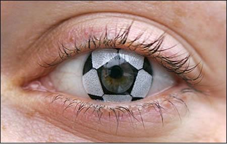 kontak lensa unik © 2016 oddee