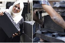 Dua gadis ini buat batu bata dari abu konflik di Gaza, inspiratif