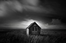 12 Foto landscape bangunan terbengkalai ini bikin melongo