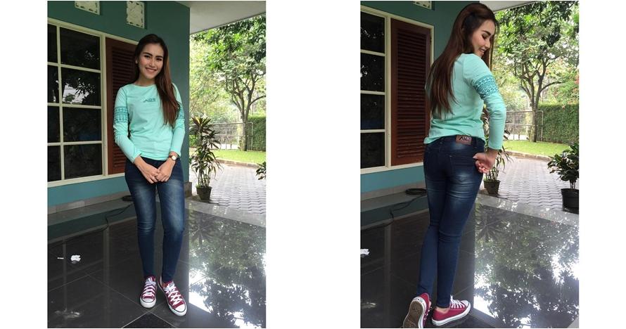 Gaya Ayu Ting Ting promosi celana jeans ini bikin netizen gagal fokus