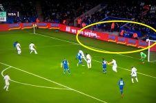Heboh iklan mi instan asal Indonesia di laga Leicester City
