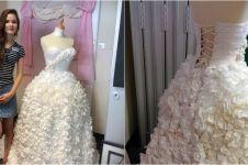Gaun pengantin mewah ini ternyata cuma dibikin dari tisu toilet, keren