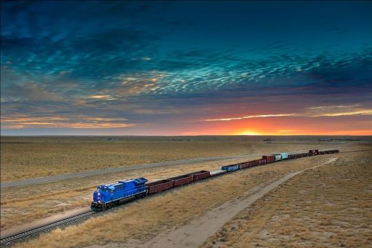 Bukan hanya mobil ramah lingkungan, kini kereta api juga hemat energi