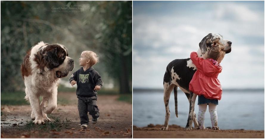 10 Foto ini buktikan si kecil bisa bersahabat dengan anjing, akrabnya