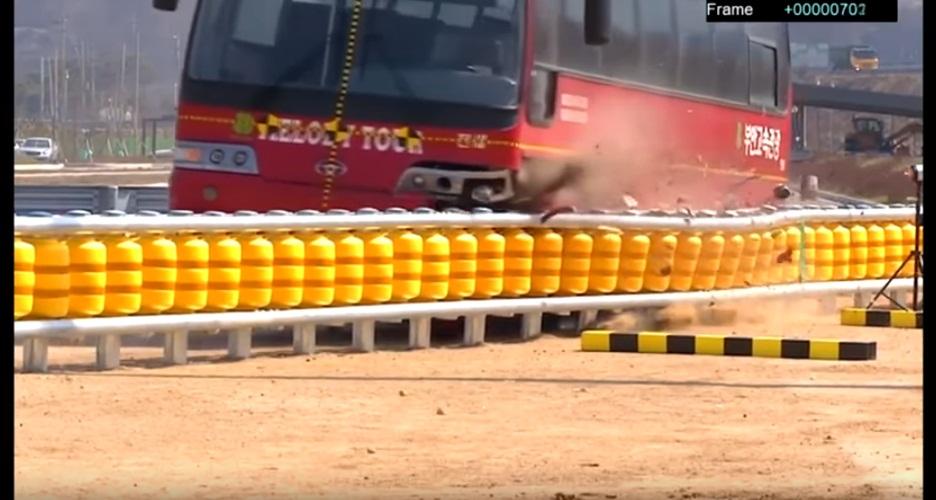 Pagar pengaman ini diklaim bisa kurangi risiko kecelakaan, lentur abis