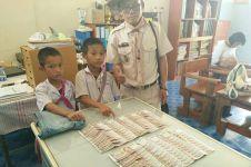 Temukan Rp37 juta, dua bocah ini jujur kembalikan ke pemilik