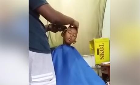Anak kecil tertidur saat rambutnya dipotong ini bikin tersenyum geli