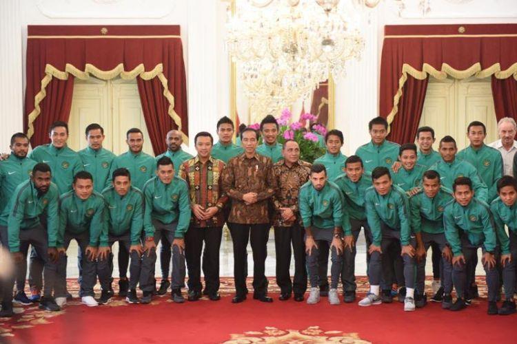 Jokowi ajak makan siang dan beri bonus Rp 200 juta ke Timnas Indonesia