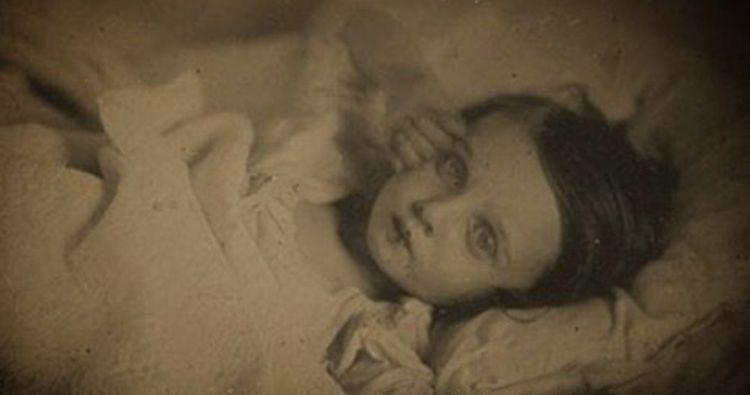 Seramnya potret anak meninggal zaman dulu, seperti masih hidup