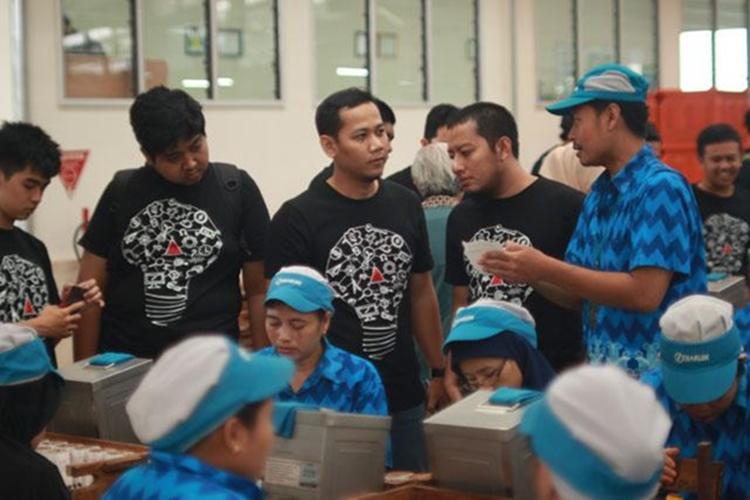 15 Anak muda Indonesia dilatih bikin inovasi produk internet & desain
