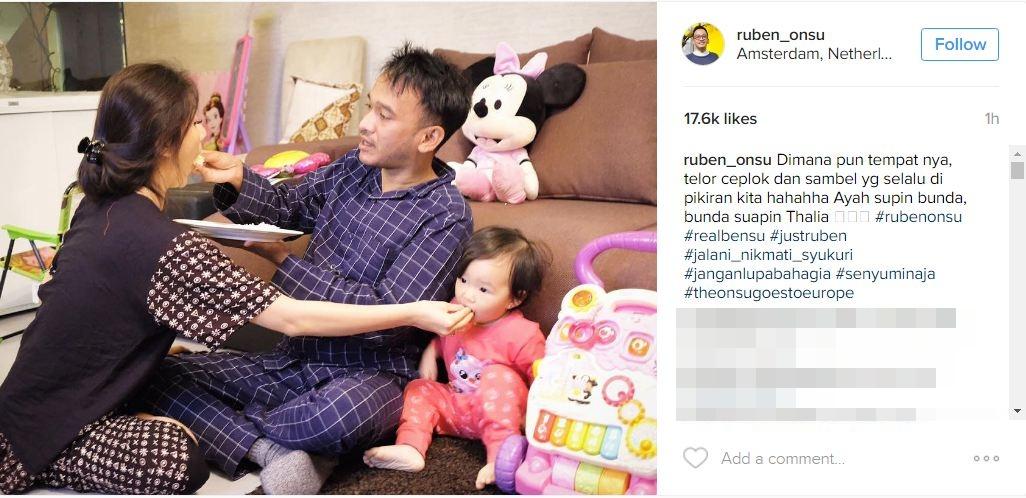 Aksi suap-suapan Ruben Onsu dan Sarwendah ini bikin netizen baper