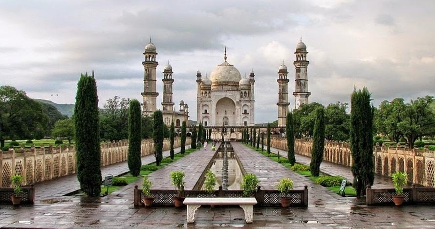 10 Foto megahnya Bibi Ka Maqbara, kembaran Taj Mahal yang mengagumkan