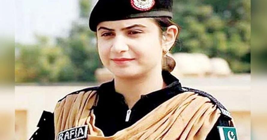 Rafia Qaseem Baig, wanita cantik yang pilih jadi penjinak bom