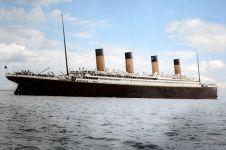 15 Foto langka penampakan Kapal Titanic versi berwarna, jadi keren