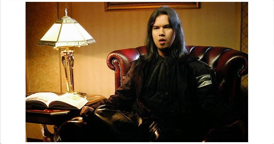 12 Gaya rambut Ahmad Dhani, dari botak mulus sampai gondrong desa
