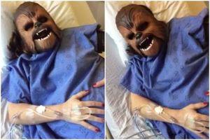 Wanita ini jadi viral setelah gunakan topeng Star Wars saat melahirkan