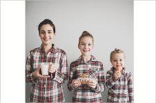 12 Foto kompaknya ibu dan dua putrinya ini bikin pengen nikah muda