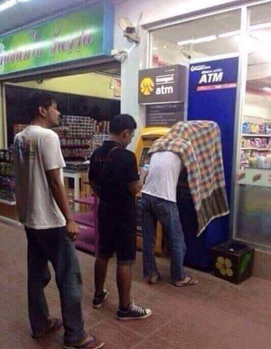 meme ambil ATM © 2017 istimewa