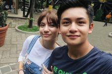 5 Pasangan selebriti muda ini sering bikin vlog, pacaran produktif nih