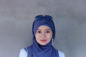 10 Inspirasi hijab anting keren desainer Malaysia Raja Nadia Sabrina