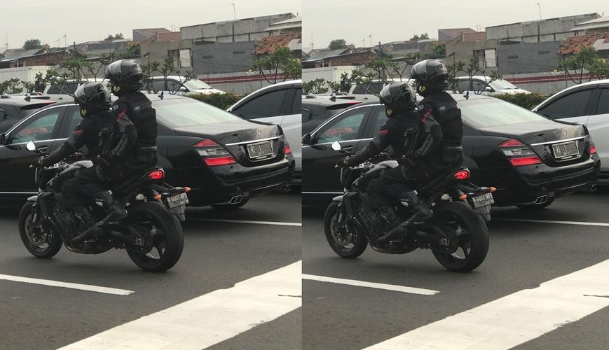 Mobil Presiden Jokowi macet-macetan di tol ini tuai simpati