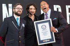 10 Seleb Hollywood ini pernah raih rekor dunia, ngapain aja ya?