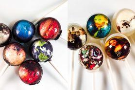 Lolipop ini berisi karya seniman dunia lho, bikin nggak tega makannya
