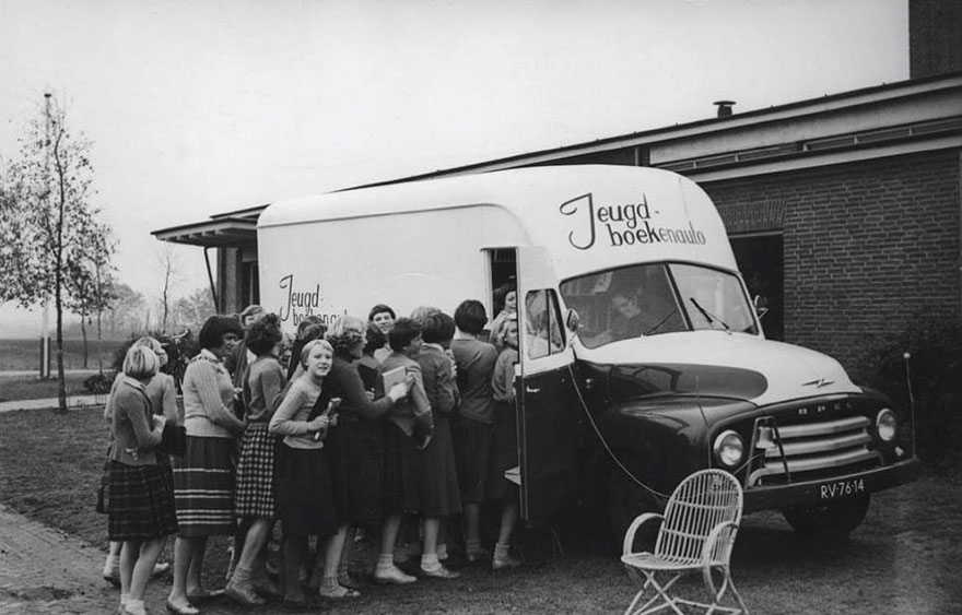 15 Foto mobil perpustakaan jadul ini bukti minat baca tinggi dari dulu