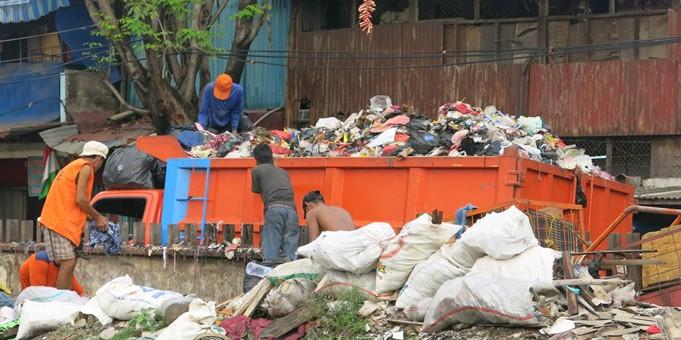Di kota ini wali kotanya ajak warga sedekahkan sampah