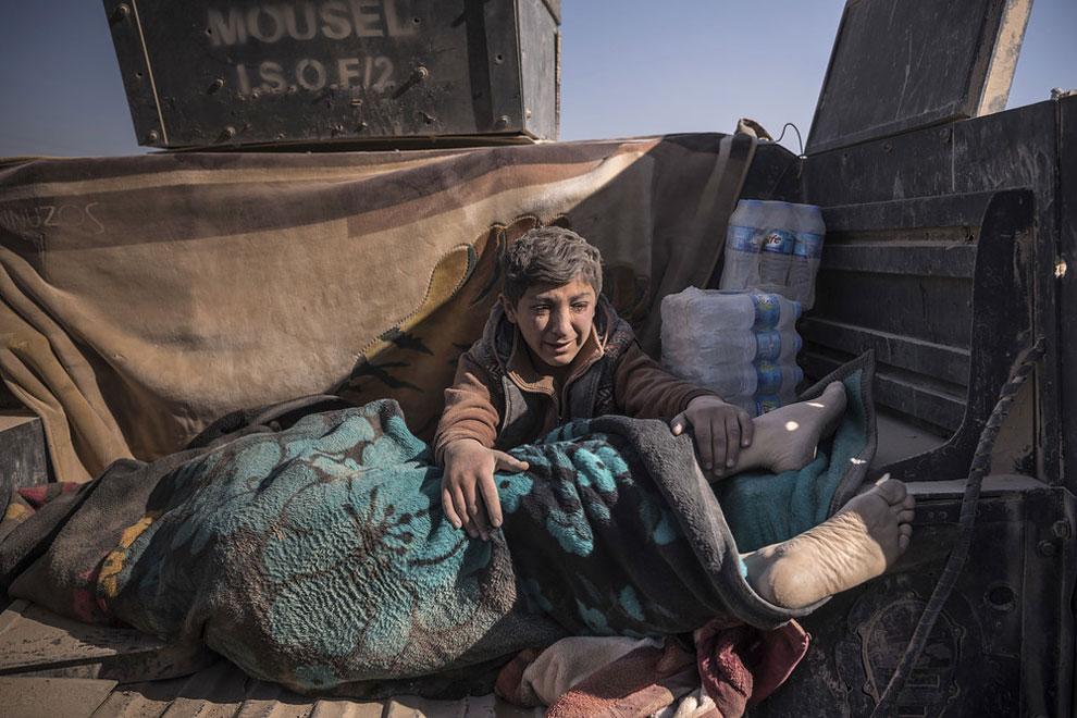 foto kemanusiaan ini siap mengaduk-aduk perasaanmu © 2017 designyoutrust/@60th annual World Press Photo Contest