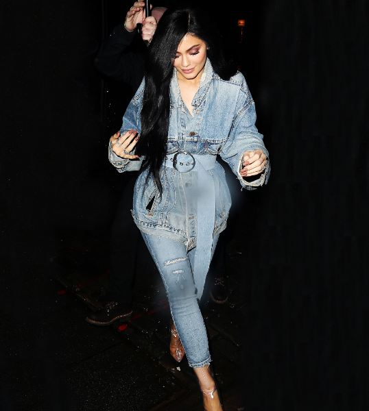Kylie Jenner Denim on Denim © 2017 brilio.net
