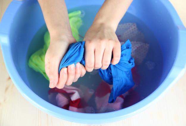 tips mengatasi pakaian menyusut © 2017Buzzfeed