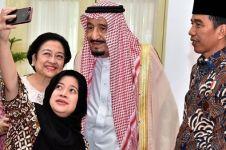 Ini deretan foto selfie Raja Salman, tampak akrab dan jadi viral
