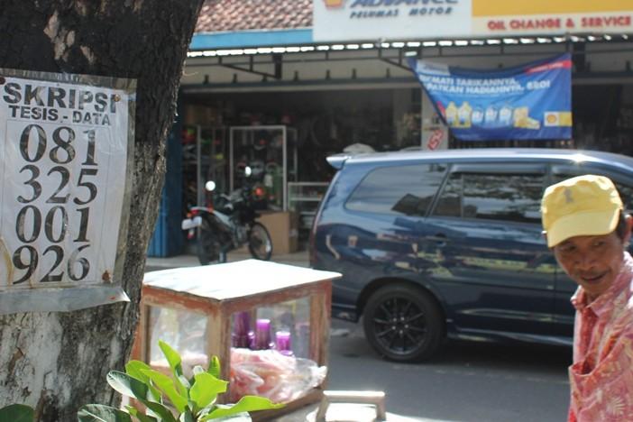 Untung menggunung dari bisnis skripsi di Yogyakarta (1)
