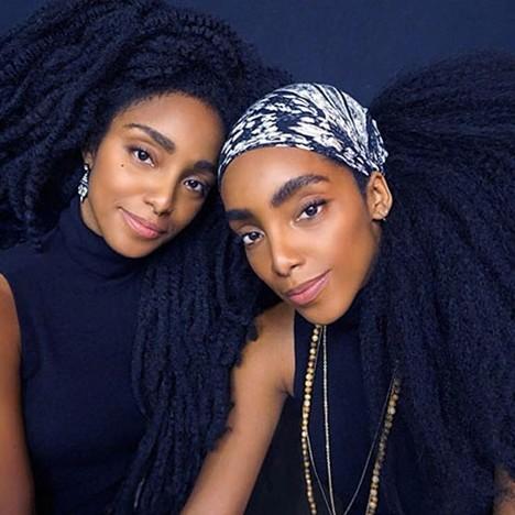15 Foto dua bersaudara pemilik rambut paling mengagumkan