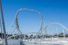 Roller coaster ini bikin adrenalin bergejolak, berkecepatan 120 km/jam
