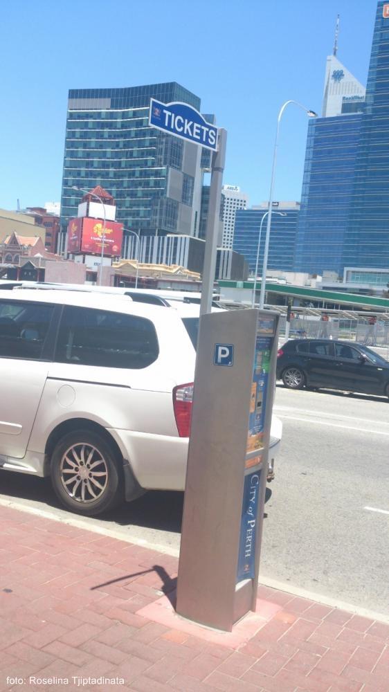 parkir australi © 2017 brilio.net