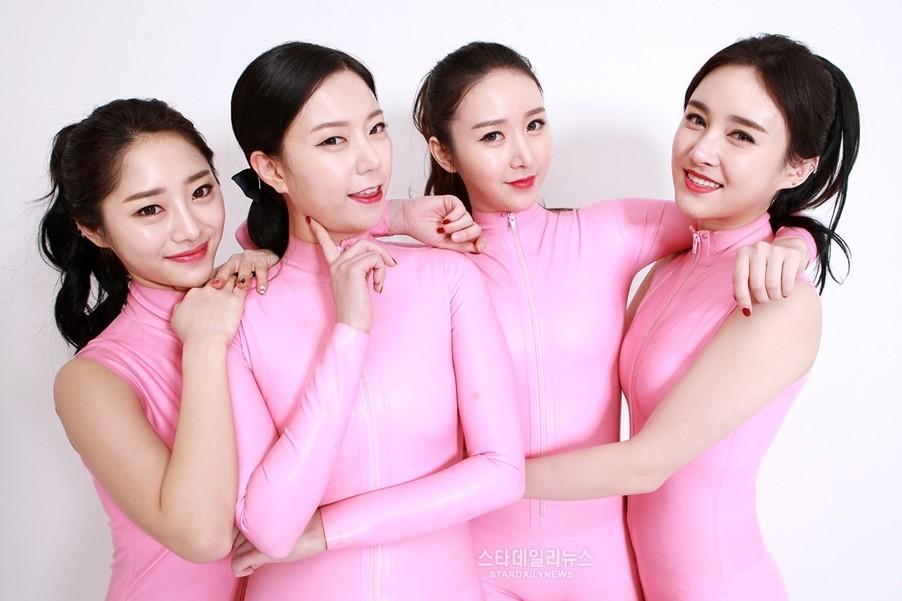 10 Foto Six Bomb, girlband K-Pop yang habiskan Rp 1 miliar untuk oplas