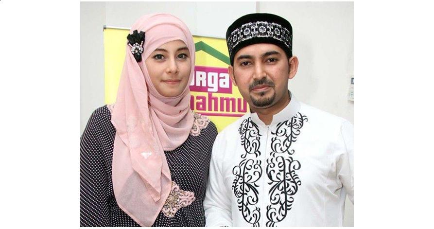 5 Foto cantiknya istri pertama yang gugat cerai Ustaz Al Habsyi