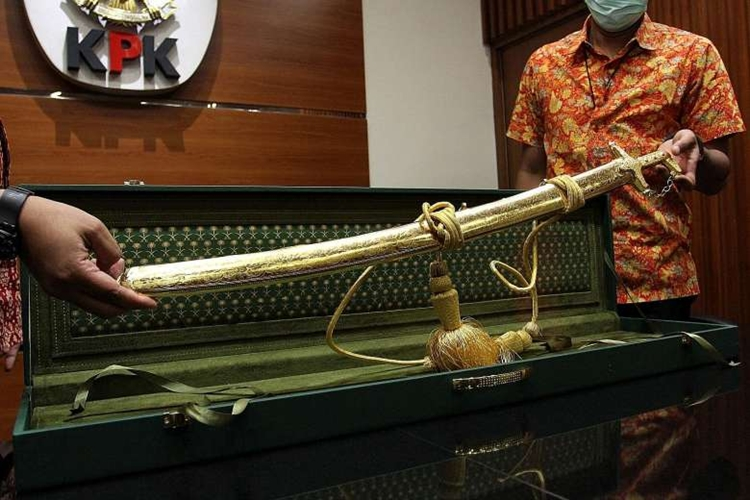 Puluhan hadiah mewah dari Raja Salman dilaporkan ke KPK, ini daftarnya
