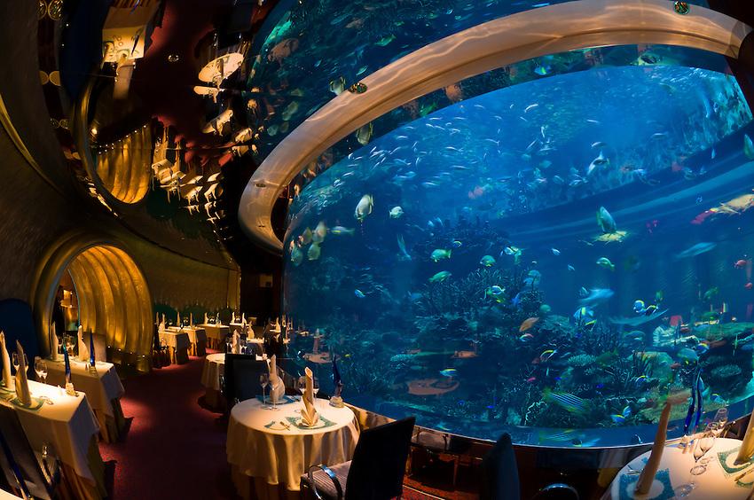 restoran bawah laut  © 2017 berbagai sumber