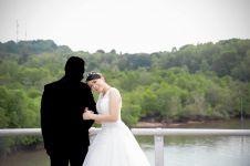 Kisah pasangan sempat foto prewedding tapi gagal nikah ini haru biru